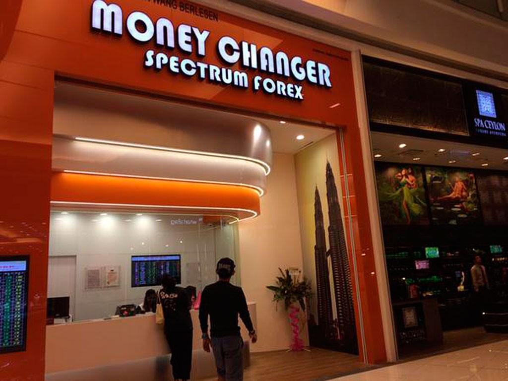 Cambiar moneda en Malasia
