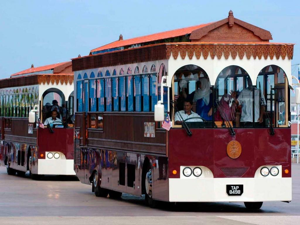 Autobuses de la región de Terengganu en la costa este de Malasia