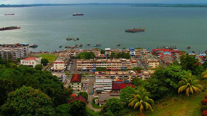 Vistas de Sandakan Borneo en Malasia