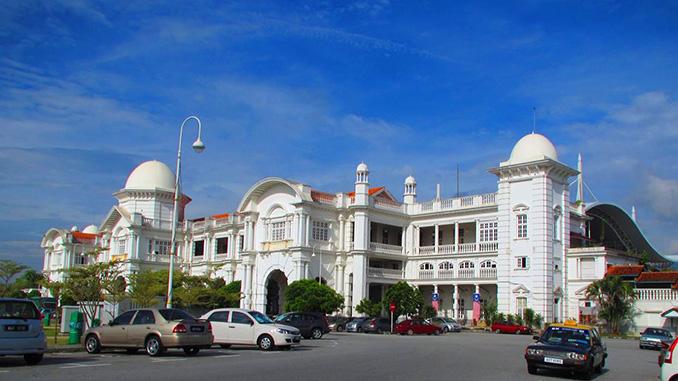 Al recorrer Malasia visitamos la estación de tren de Ipoh en Perak