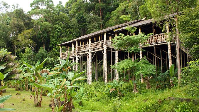 Hospedarse en un LongHouse en Borneo