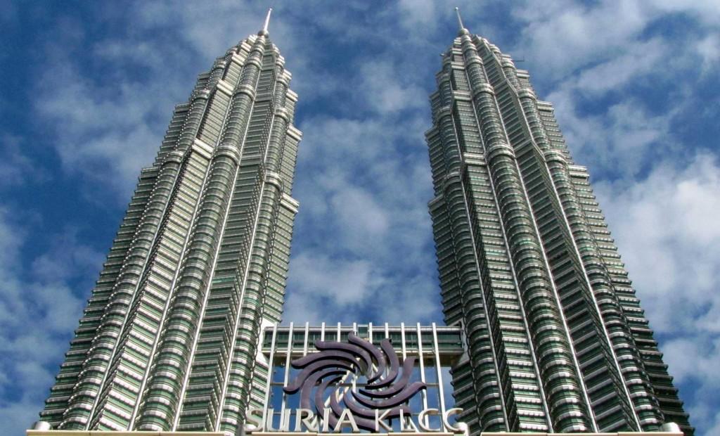 En las Petronas de Kuala Lumpur podemos visitar el centro comercial KLCC
