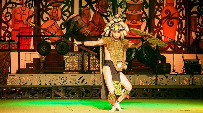 Festival en Borneo sobre la cultura de las tribus nativas