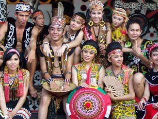 Cazadores de Cabezas en Borneo