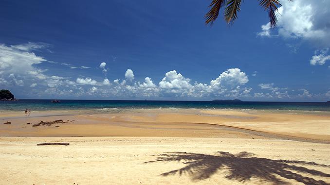 Playas en la isla Tioman en Malasia
