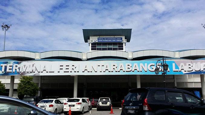 Ferry para llegar a Labuan