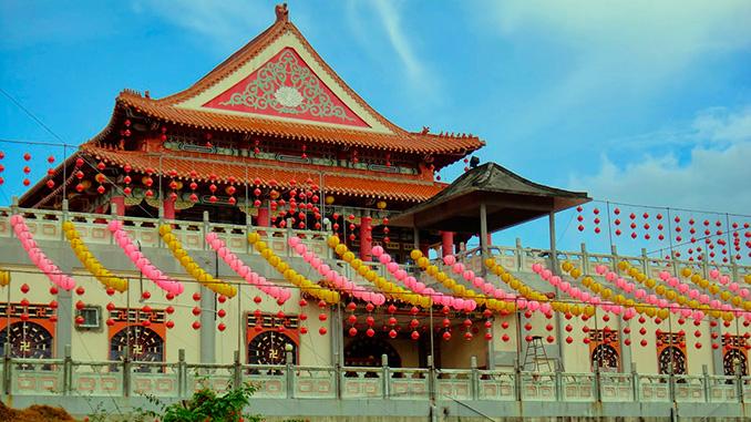 Templo Puu Jih Shih en la ciudad de Sandakan en Borneo