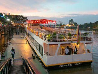 Qué hacer en Kuching barco por río Sarawak