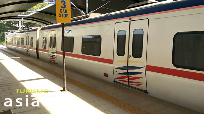 Podemos llegar a Batu Caves en tren desde KL Sentral