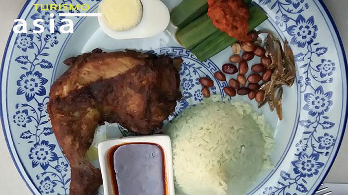 El pollo frito de Malasia o nasi ayam