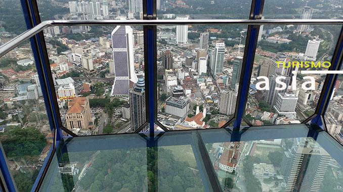 Los miradores de cristal de la Torre Menara de Kuala Lumpur