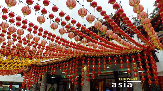 Luces del templo chino Kuala Lumpur