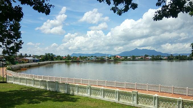 La costa de la isla de Borneo